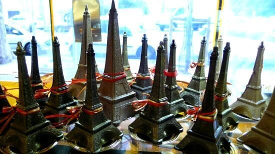 Paris-Perfect-chocolate-eiffel-towers